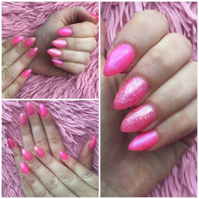 Collage van 3 foto's waarop een set gelangels te zien is op een roze fluffy ondergrond, verschillende poses van de handen met de fluoroze nagels en glitter